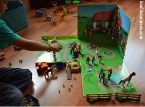 Boite rangement et jeu Playmobil Mynotedeco situation de jeu Bouillondidees