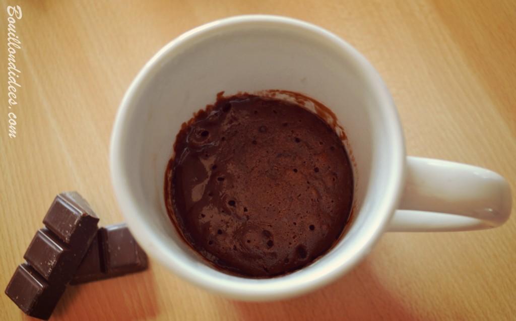 Mug cake choco façon brownie, avec pépites, chocolat, sans GLO, sans gluten, sans lait, sans PLV, sans lactose, jaune d'oeuf fondant 2 Bouillondidees