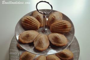 Madeleines à la noisette sans GLO (sans gluten, lait, ni oeuf) présentoir Bouillondidees