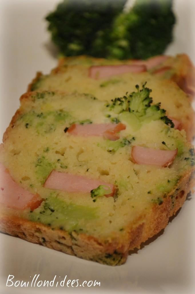 cake sans GLO (sans gluten, lait- PLV ou Lactose, ni oeuf), au tofu soyeux brocolis et saucisses tranche Bouillondidees