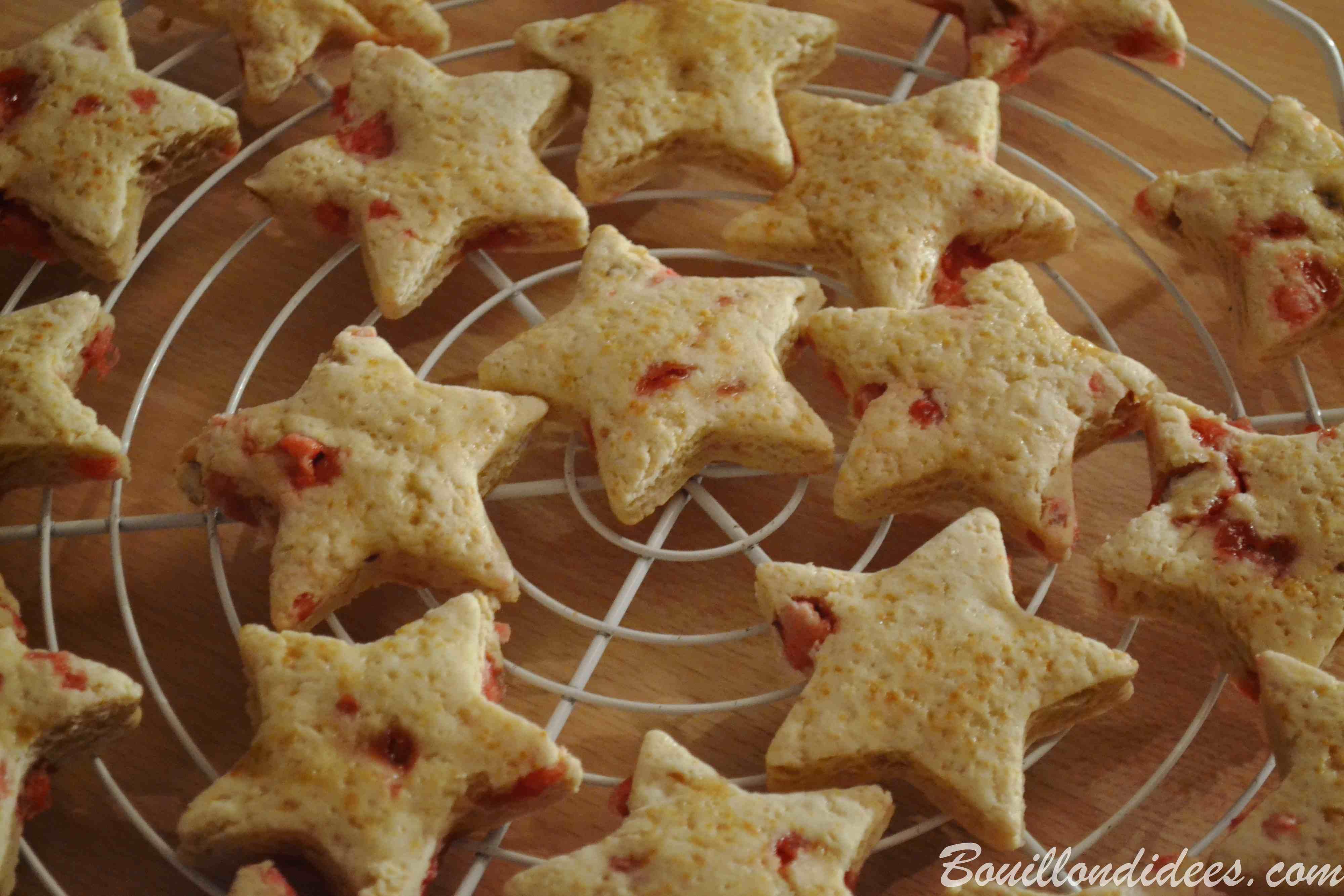 sablés de Noël aux pralines sans GLO (sans gluten, sans lait, lactose ou PLV, sans oeuf) biscuits fêtes Bouillondidees