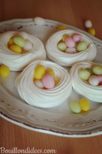 Nid de paques meringues (aquafa - jus de pois chiches) Pâques sans GLO (sans gluten sans lait -sans PLV sans lactose- et sans oeuf) Bouillondidees