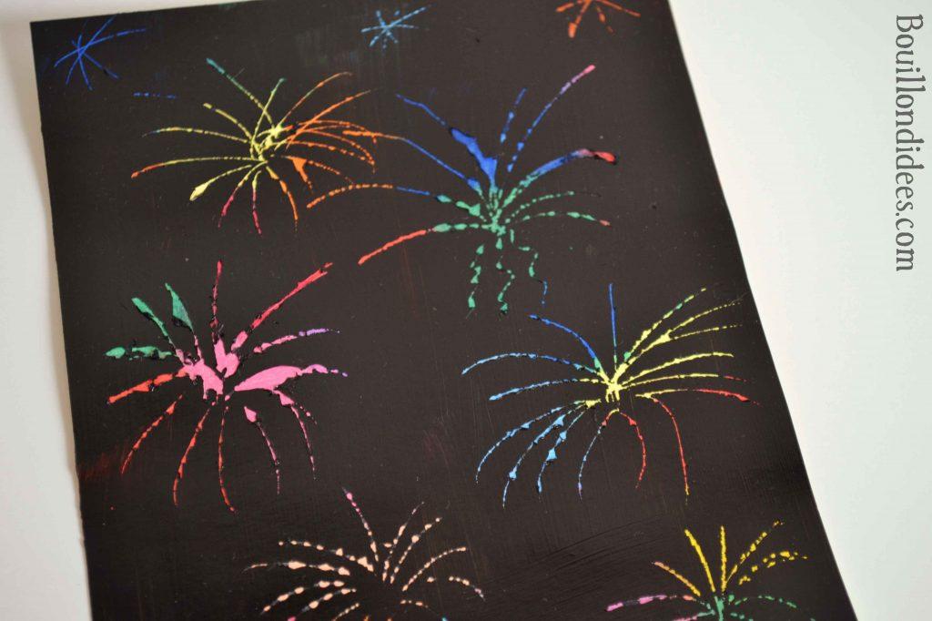 DIY 14 juillet : feu d'artifice sur une carte à gratter (craies ou pastels gras)
