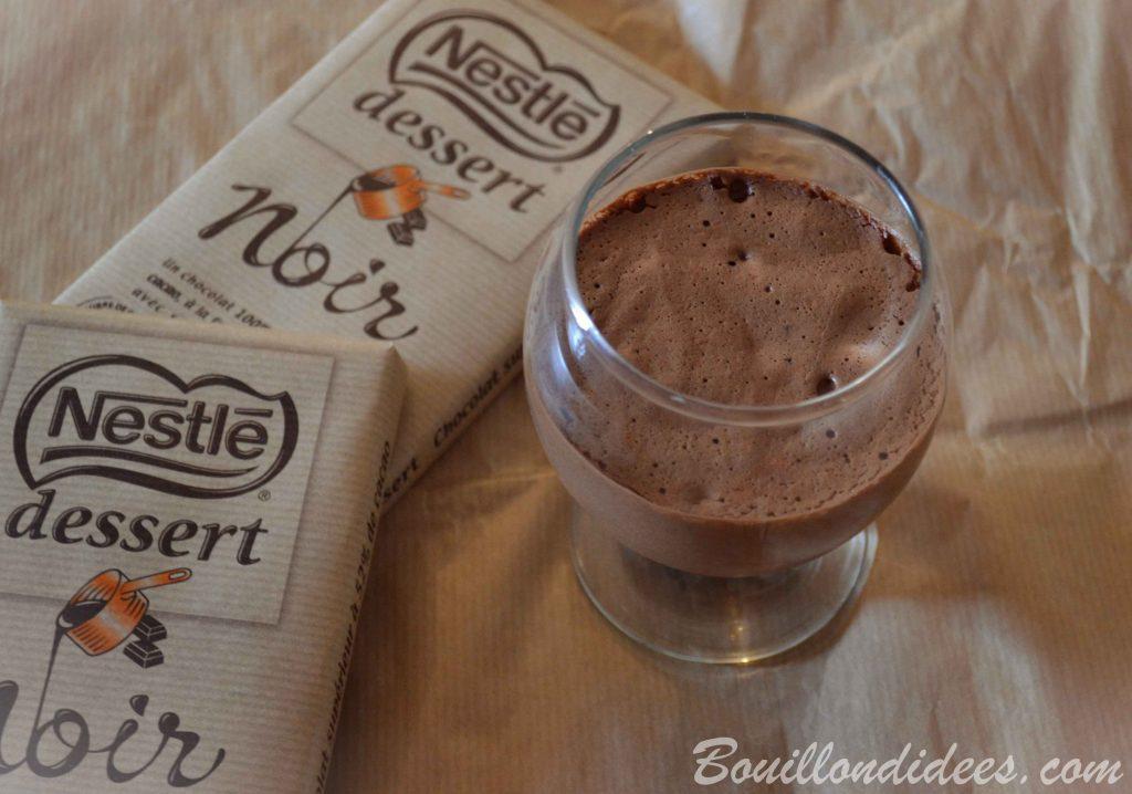 Mousse au chocolat sans œuf - vegan (au jus de pois chiche) - sans gluten, sans lait.