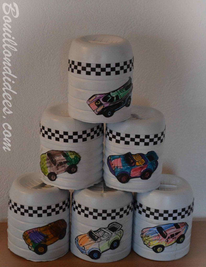 Un anniversaire sur le thème de Cars & des courses de voiture - jeu chamboule tout voiture de course