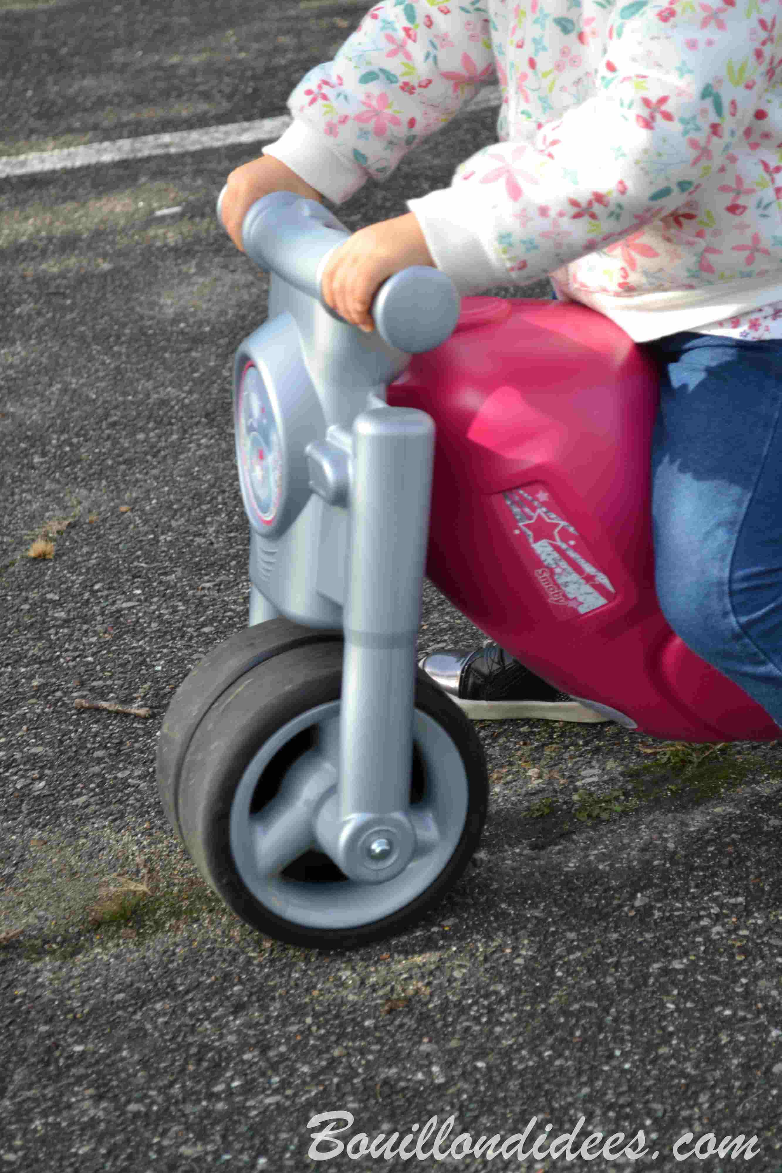 Le porteur moto Smoby, stable et looké pour les petits (test & avis) - Bouillon d'idées