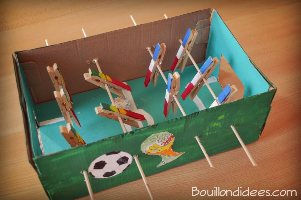 12 activités à faire cet été avec les enfants : Fabriquer un mini baby-foot