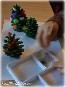 DIY Noël, sapin en pomme de pin décoration Bouillondidees