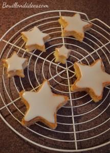 Génoise montée en étoiles sapin dessert pour Noël sans GLO (gluten, lait, oeuf) étapes Bouillondidees