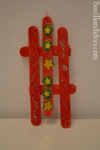 DIY déco sapin Noël bâtonnet de bois ou glace : luge vintage à suspendre