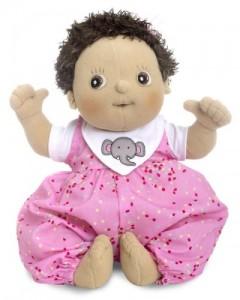 Une poupée en tissu Rubens Barn (Top cadeau Noël)