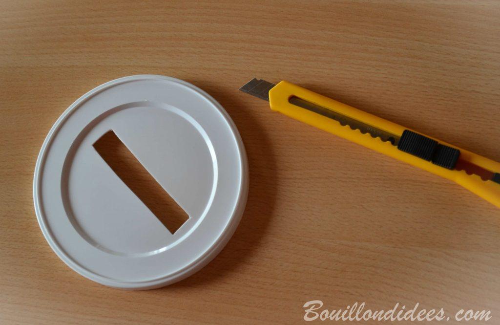 Fabriquer une boîte à formes, une boîte à tri pour bébé (DIY - bricolage avec boîtes à lait de bébé)