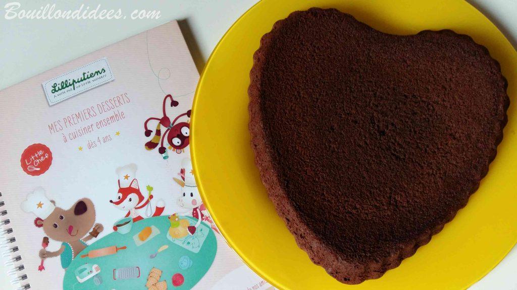 Un gâteau au chocolat sans gluten sans lait, simplissime, avec Little Chef de Lilliputiens - cuisiner avec les enfants