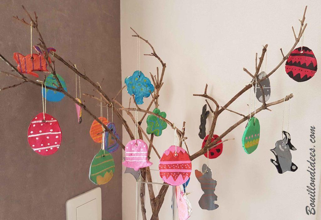 Créer des œufs de Pâques en pâte autodurcissante pour décorer un arbre !