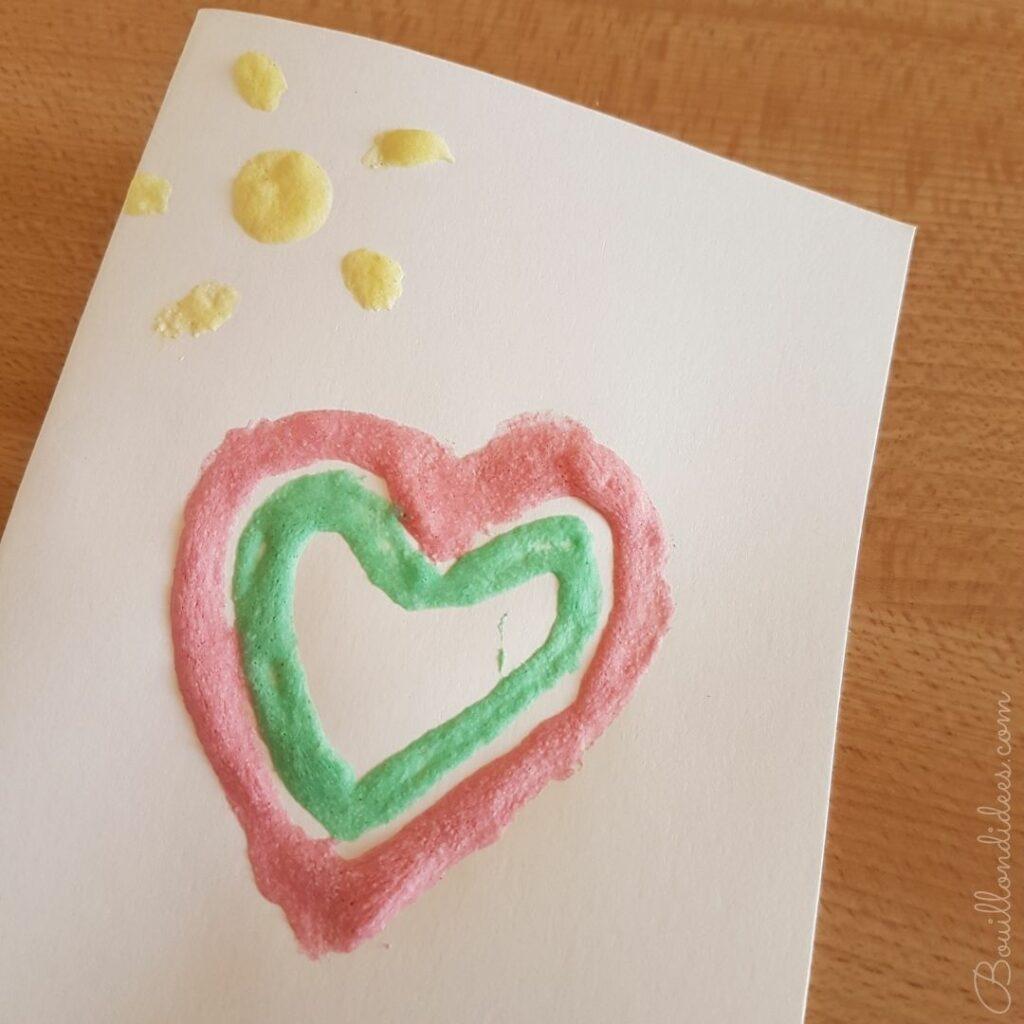 Créer des cadeaux pour la fête des grands-mères : carte peinture gonflante