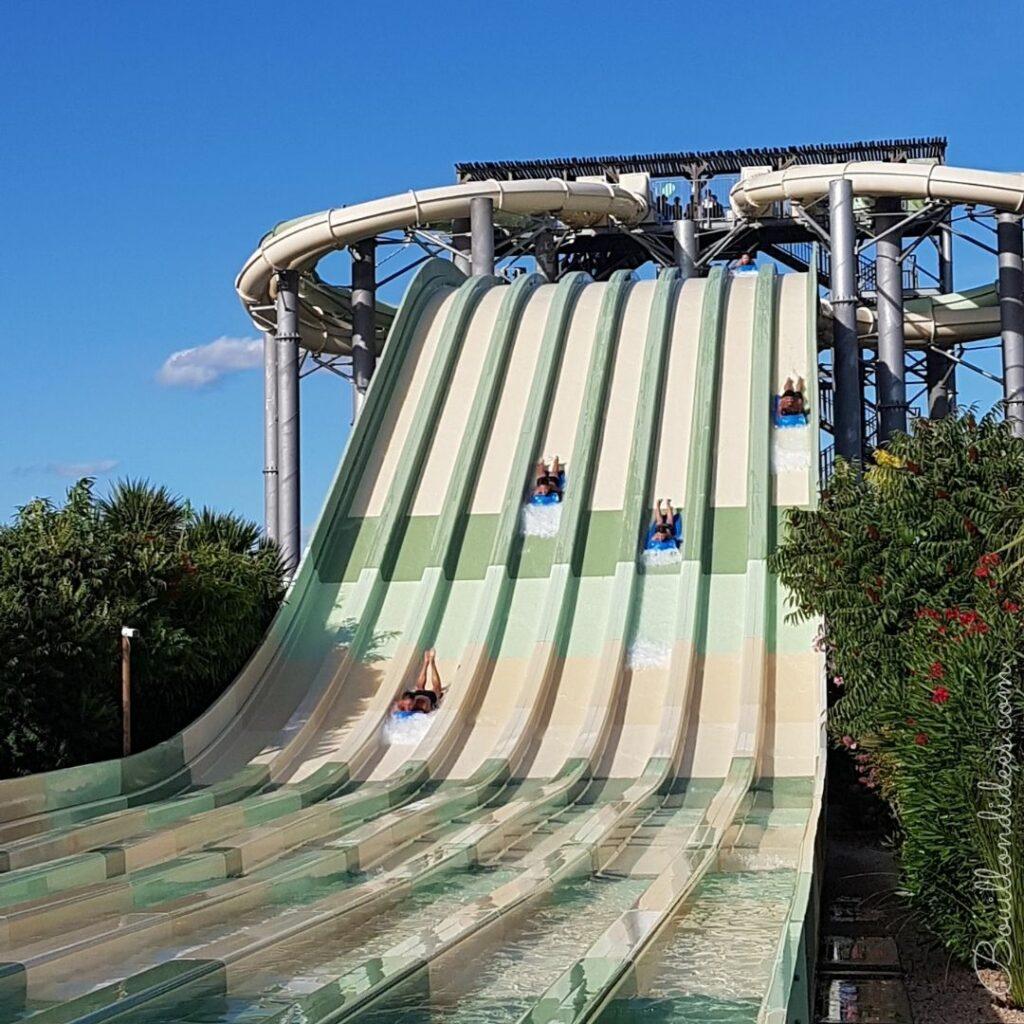 Wave Island, le parc aquatique de Provence à faire en famille : toboggan a Cascade de Manea