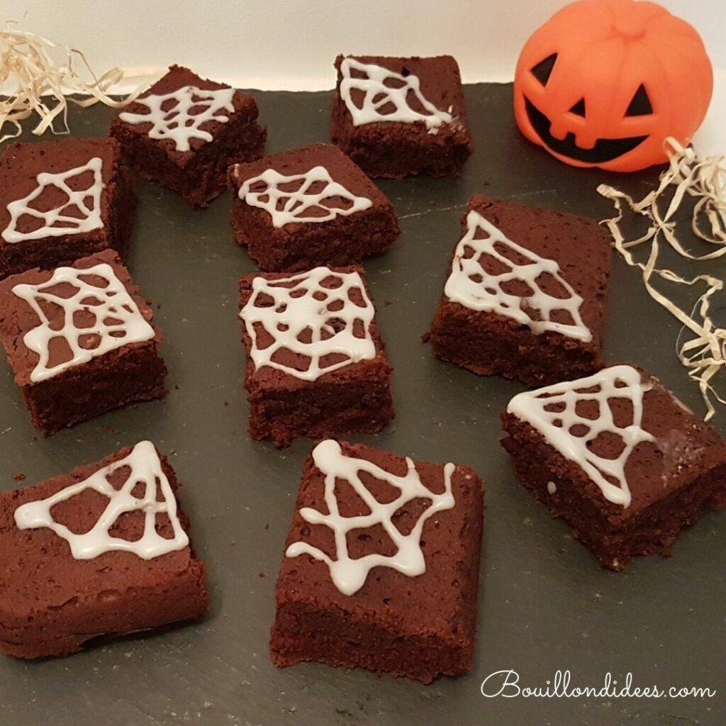 Un brownie d'Halloween sans gluten, sans lait, sans oeuf